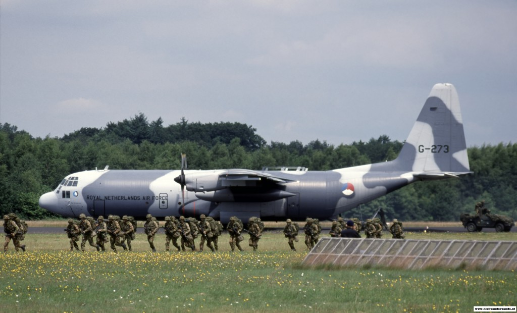 Members of the Airmobile Brigade are being dropped off by a Hercules during the 2003 Open House.