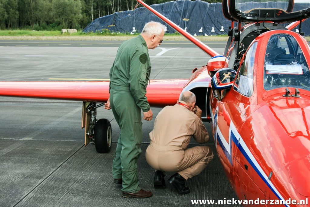 Fons and Gerhard during the pre-flight check (walkaround) prior to startup
